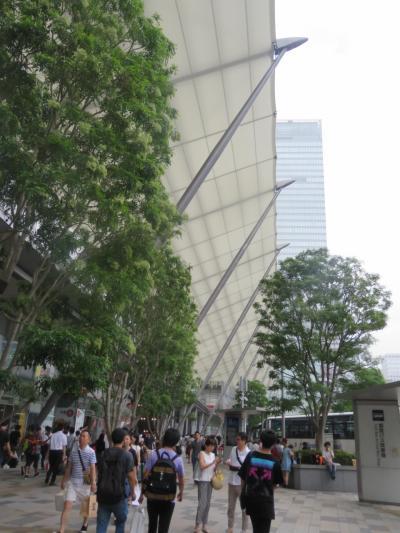 東京駅八重洲のグランルーフ付近の風景