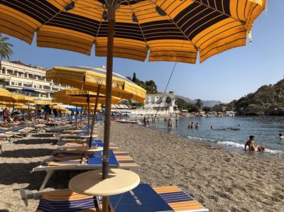 グランブルーの舞台タオルミナ・憧れの海マッツァーロ海岸