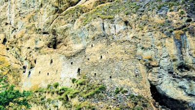5.北オセチア共和国のジフギス洞窟城 : 北コーカサス4ヶ国(ダゲスタン、チェチェン、イングーシ、北オセチアーアラニア)の旅