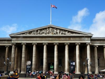 イギリス紀行 (10) ロンドン       (バッキガム宮殿、大英博物館、国立絵画館)