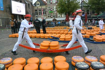 秋のドイツ&オランダ アルクマールのチーズ市編 後半