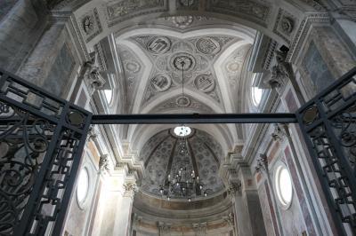 美しき南イタリア旅行♪ Vol.254(第8日)☆Ostuni:美しい「オストゥーニ大聖堂」聖堂内は素晴らしい♪