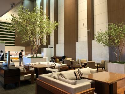 大阪3 大阪マリオット都ホテル 54階コーナースイート宿泊② ラウンジフードと夜のハルカス300へ