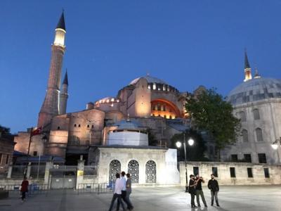 イスタンブール旅行記 1アヤソフィア  ガラタ橋 ガラタ塔
