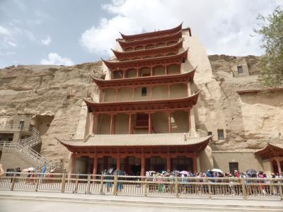 4歳娘を連れて念願の敦煌+北京6日間の旅3-ついに来た!壮大な莫高窟