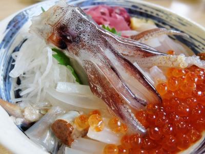 北海道ドライブ (1) 函館で「活イカ踊り丼」と六花亭スィーツ==岩内町港町で地元のお勧め寿司店へ