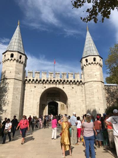 イスタンブール旅行記 3 ブルーモスク  地下宮殿 眺めのいいレストラン  スレイマニエモスク  トプカプ宮殿 ボスポラスクルーズ