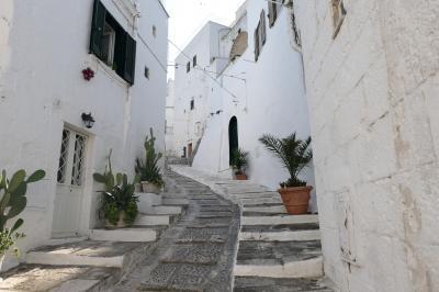 美しき南イタリア旅行♪ Vol.267(第9日)☆Ostuni:朝の美しいオストゥーニ旧市街♪