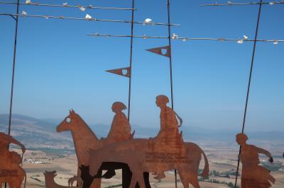 スペイン サンチアゴ巡礼⑦ 巡礼第4日 パンプローナを出てスペインの草原に