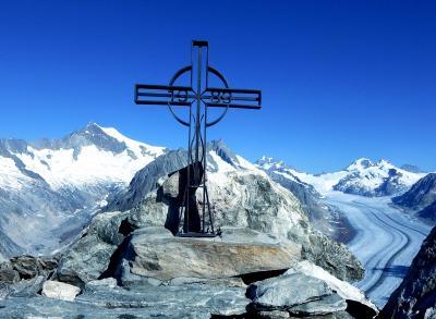 スイス・ハイキングの旅 2018夏(14) Eggishornからの眺望を楽しむ