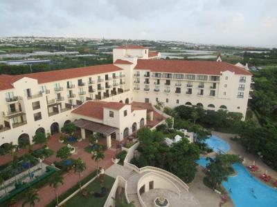 秋の沖縄本島と石垣島(3)ホテル日航アリビラ・沖縄の別荘であたたかく迎えられて。台風の影響は?