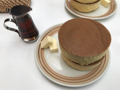 54. 名物のホットケーキ 鎌倉小町通り イワタコーヒー店