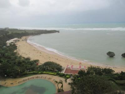 秋の沖縄本島と石垣島(番外編5)台風24号現況9月30日7時30分。さらに台風25号が追いかけています