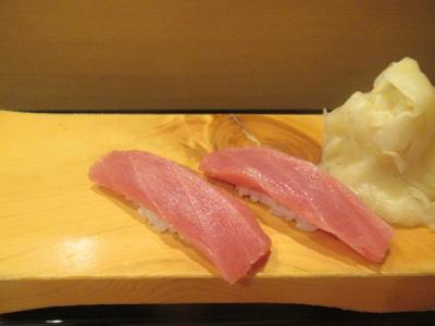 秋の沖縄本島と石垣島(4)アリビラ初日恒例の寿司食べ放題でおなかいっぱい!