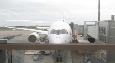 ワンワールド特典航空券(ビジネスクラス)で行く世界一周(2日目ー2)香港空港→機内泊→ヘルシンキ空港