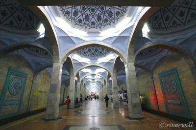 まるでRPGの世界!タシュケント地下鉄の華麗なる世界