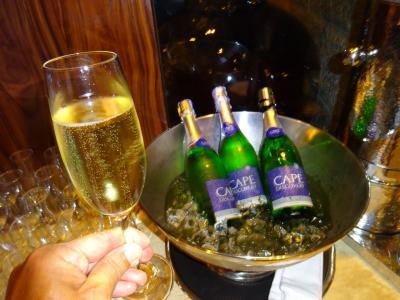 16回目のバンコク。2度目の「ワット・パクナム」,初めての「ワット・アルン」。マッサージ&シャンパン付き朝食。スクート便,ホテル3軒@プロンポン。(その2)