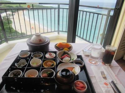 秋の沖縄本島と石垣島(7)アリビラのルームサービス朝食、ダイビング資格のステップアップ講習、地元料理店のハンバーグランチ