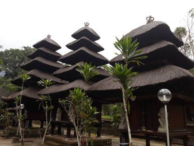 バリ島6大寺院の一つ。時の流れが止まったかのような静かな寺院。