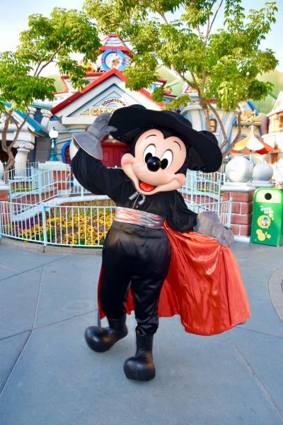Disneyland Resort 1日目(NRT→LAX→ハロウィンパーティー①)