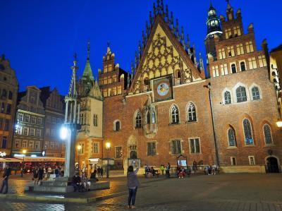 ひかえめな美しさを味わう・・・ポーランド ⑬ ★ヴロツワフ到着とちょこっと夜景、Hotel Dwor Polski★