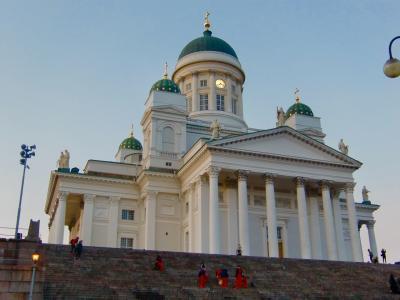 独立100周年のフィンランド・ヘルシンキへ☆ヘルシンキ中央駅前マーケット・ヘルシンキ大聖堂・元老院広場・アカデミア書店・STOCKMANNをぶらぶら