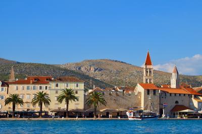 夏のクロアチア!5泊8日縦断の旅【3日目・路地歩きが楽しい出島の迷宮 トロギール】