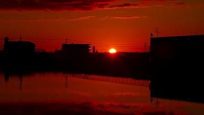 早朝散歩 宝塚市中筋3丁目の妙玄寺前、皿池で日の出の撮影 上巻。
