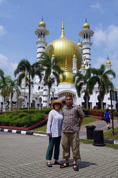 ANA羽田発着「満喫マレーシア縦断の旅6日間」(7)ペナン島からクアラ・カンサーのモスクに立ち寄り、セランゴールで幻想的な稲光の中でホタル観賞。
