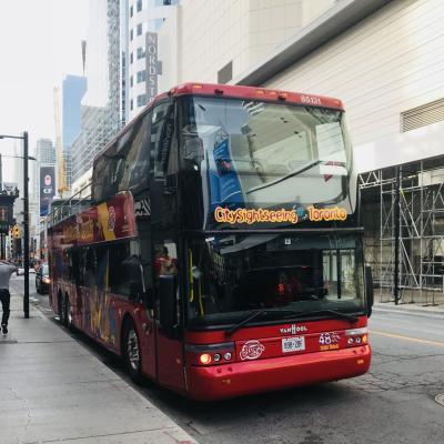トロントでオモシロ建築探訪、2階バスのチケットは船にも乗れてたいへんお得