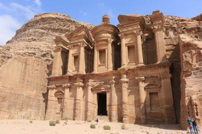 バンコク発着2泊4日でヨルダンのペトラ遺跡とワディラムへ No1