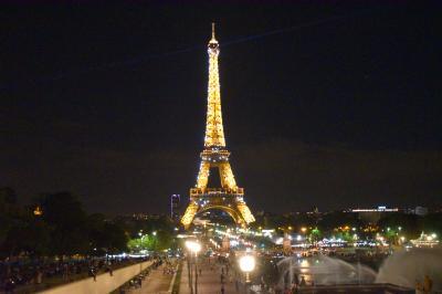 初めてのフランス パリ その1 成田発ドーハ経由パリ ラウンジ、機内食