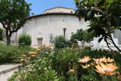 美しき南イタリア旅行♪ Vol.460(第17日)☆ブリンディジ:「サン・ジョヴァンニ・アル・セポルクロ教会」秘密の花園は修道院の面影♪
