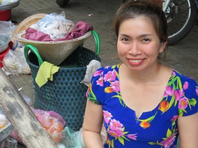 ベトナムの民族服はアオザイではありません ホーチミンを中心としたアババー アラカルト