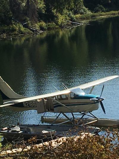 アンカレッジ(3)人生観が変わる旅   夢か、まぼろしか!水上飛行機に乗って、湖水のロッジへ