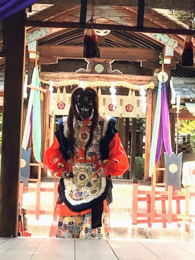 2018年10月 織田信長を祀る建勲神社とワコール女性作家個展を見てきました。