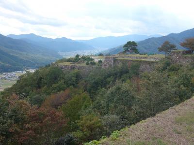 念願の竹田城に登城する。高くて広く,立派な城郭です。感動しました。