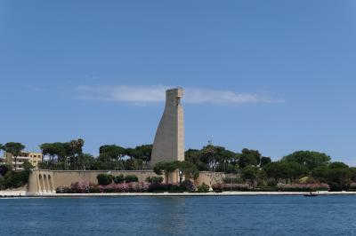 美しき南イタリア旅行♪ Vol.466(第17日)☆ブリンディジ:美しい「レジーナ・マルガリータ通り」から水兵の記念碑♪