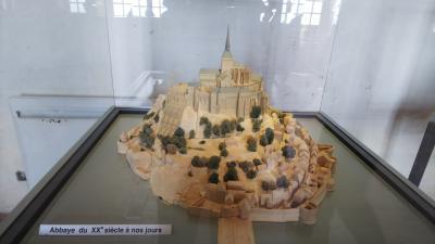 フランスツアーひとり旅《3日目:モンサンミッシェル観光②(修道院見学編)》