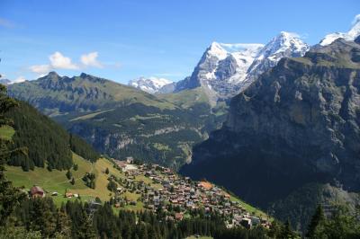 アイガー・メンヒ・ユングフラウの3山を眺めながら歩く気持ち良い高原ハイキング、イム・シルト(1946m)~ミューレン(1638m)
