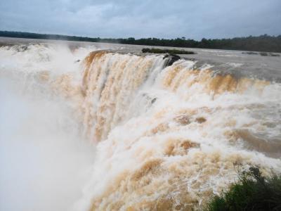 イグアスの滝 ブラジルから路線バスでのアルゼンチンへの行き方。