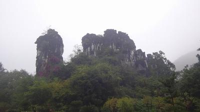 特別運航の貸切遊覧船で美しき桂林・漓江くだり5日間(30) 七星公園七星岩の観光 その4完。