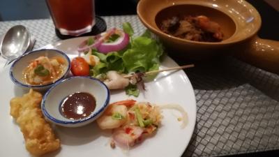 タイ  2018年10月  女性一人旅 ホテルビュッフェ マリオットホテル Momo cafe