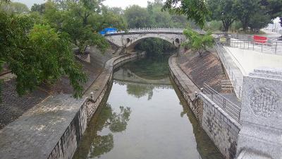 特別運航の貸切遊覧船で美しき桂林・漓江くだり5日間(32) 漓江下りの乗船場へ。