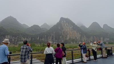 特別運航の貸切遊覧船で美しき桂林・漓江くだり5日間(33) 4ッ星遊覧船で漓江下り その1。