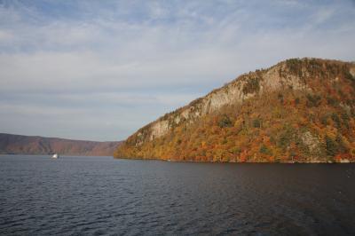 201810-04_紅葉の十和田湖 Autumn Leaves in Lake Towada (Aomori)