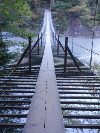 寸又峡。夢の吊橋までの道もけっこうしんどかった。でも良い吊橋だった。