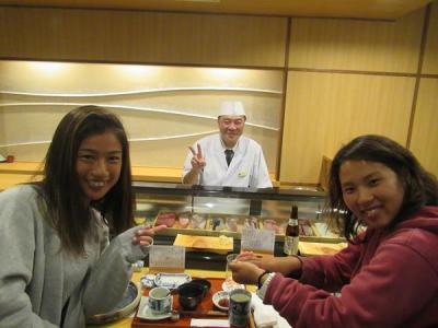 沖縄2018秋(11)アリビラ佐和・みんなで楽しく寿司食べ放題