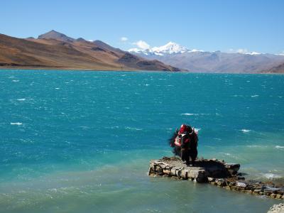 チベット旅行(8,000m峰五座大展望)5日目 拉薩(ラサ)⇒ヤムドク湖⇒カロラ⇒江孜(ギャンツェ)