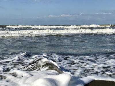 小春日和の石狩浜   でも本日天気晴朗ナレドモ浪高シ